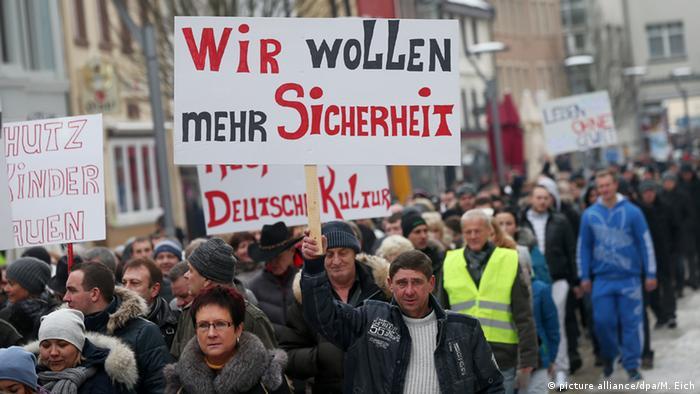 Proteste von Russlanddeutschen für mehr Sicherheit (Foto: dpa)