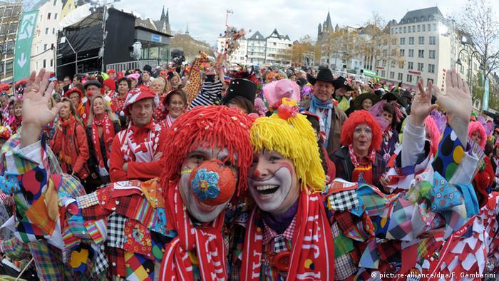 Deutschland Karneval in Köln (picture-alliance/dpa/F. Gambarini)
