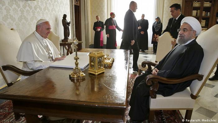 Italien Vatikanstadt Irans Präsident Hassan Rohani trifft Papst Franziskus