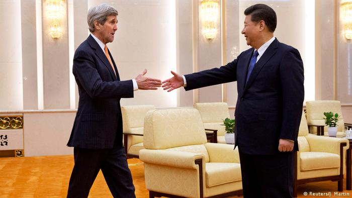 China USA Xi Jinping mit John Kerry in Peking