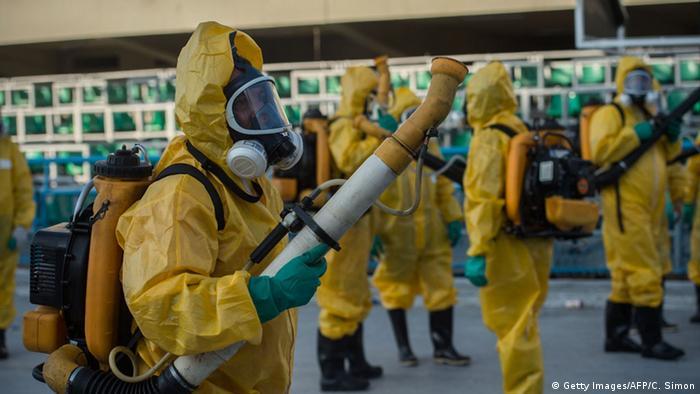 Brasilien Recife Anti Zika Virus Einsatz Mücken Besprühung