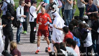 FC Bayern Trainingslager in Katar - Arjen Robben (picture-alliance/dpa/A. Gebert)