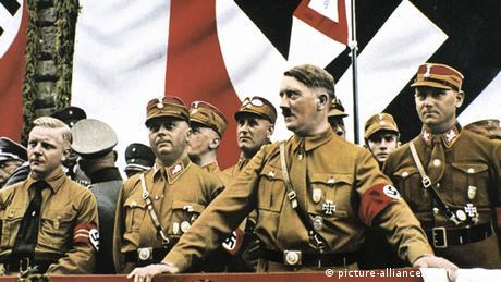 Adolf Hitler holding a speech (picture-alliance/dpa/Keystone)