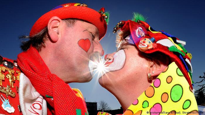 Deutschland Karneval in Düsseldorf (picture-alliance/dpa/J. Stratenschulte)