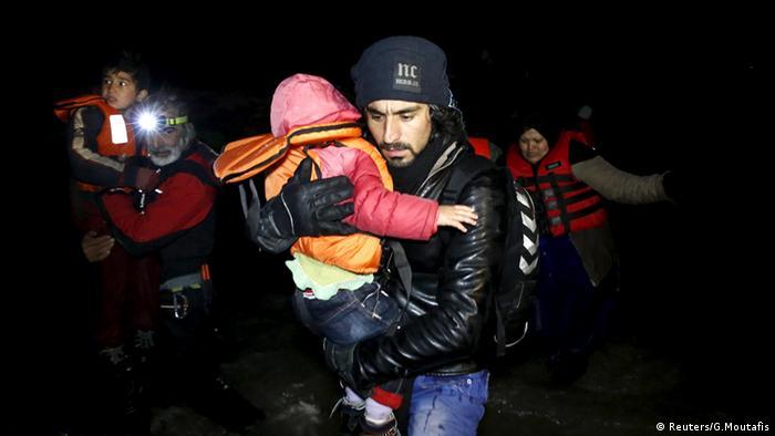 مقتل 24 مهاجرا إثر غرق قاربهم قبالة سواحل اليونان