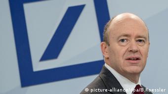 Ο Βρετανός Τζον Κράιαν βρίσκεται σήμερα στο τιμόνι της Deutsche Bank