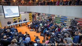 München Pressekonferenz Hitler, Mein Kampf - Eine kritische Edition (picture-alliance/dpa/M. Müller)