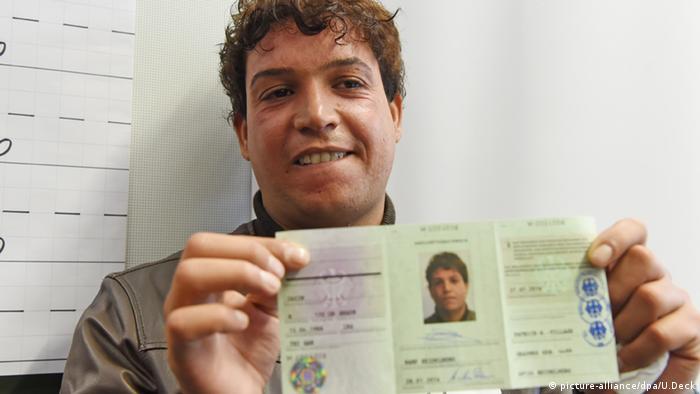 Jasmin Abed Flüchtling Irak Ausweis Flüchtlingsausweis Ankunftsnachweis