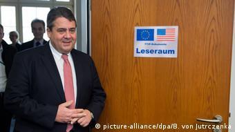 Deutschland TTIP Leseraum für Abgeordnete Gabriel