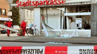 Εδώ και μήνες εγκληματικές συμμορίες ανατινάζουν ΑΤΜ στη Γερμανία