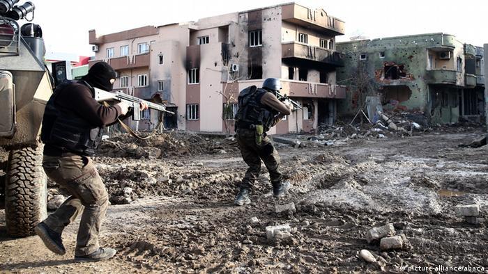 Türkei Sicherheitskräfte in Cizre