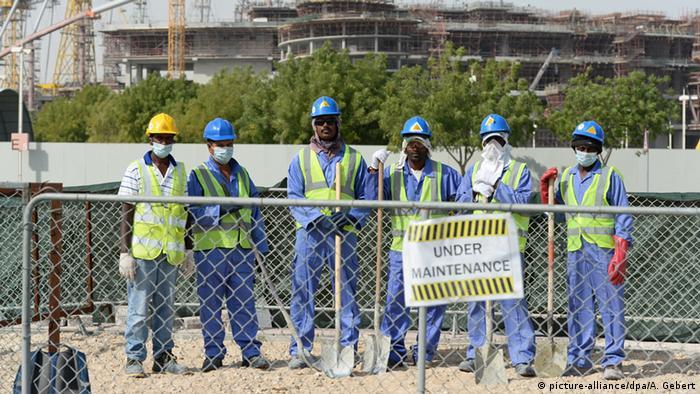 Katar Baustelle Fußballstadion Arbeiter aus Sri Lanka