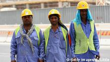 10.5.2014 *** Bildunterschrift:DOHA, QATAR - MAY 10: Construction workers are pictured on a building site on May 10, 2014 in Doha, Qatar. (Photo by Warren Little/Getty Images) Copyright: Getty Images/W. Little