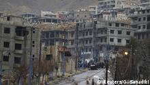 14.01.2016 *** Residents who said they have received permission from the Syrian government to leave the besieged town wait with their belongings after an aid convoy entered Madaya, Syria, January 14, 2016. Aid was sent on Thursday to the Syrian town blockaded by pro-government forces and two villages besieged by rebels for the second time this week, and a U.N. official said he hoped to make more deliveries to areas where people are starving. Dozens of trucks left Damascus for the town of Madaya at the Lebanese border, and the two villages of Kefraya and al-Foua in rebel-held Idlib province. Tens of thousands of people have been trapped in the areas for months. REUTERS/Omar Sanadiki © Reuters/O. Sanadiki