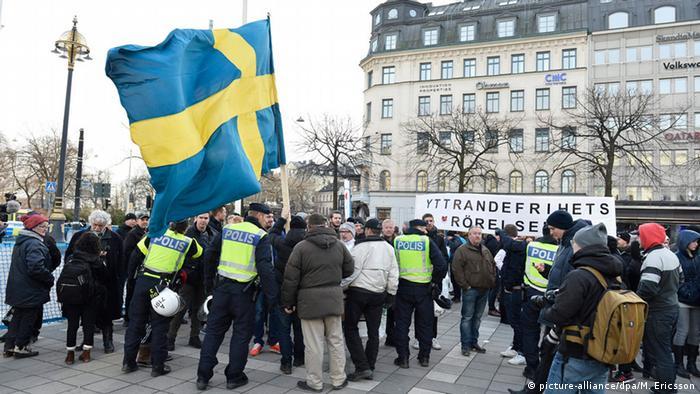 """""""السويد ودعت سخاءها التقليدي لتشدد قوانين اللجوء"""""""