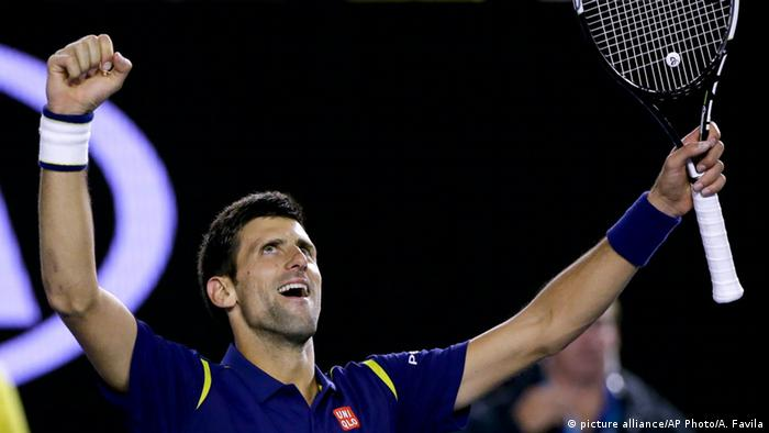 Novak Djokovic raises his arms in Triumph after winning the Australian Open Tennis-Turnier in Melbourne.