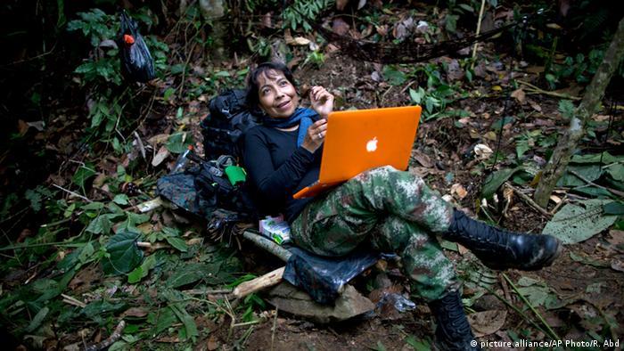 Kolumbien Alltag im Lager der FARC (Foto: picture alliance/AP)