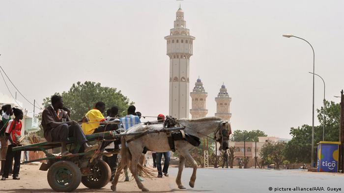 Grande mesquita no Senegal