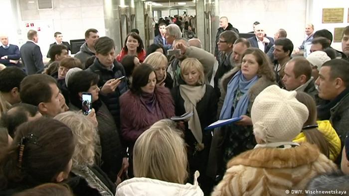 Russland Proteste russischer Kreditaufnehmer in Moskau