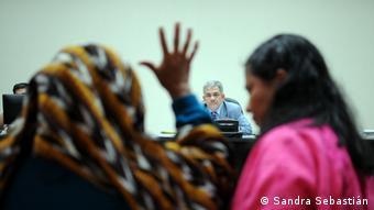 El juez ha aceptado a once mujeres como testigos.