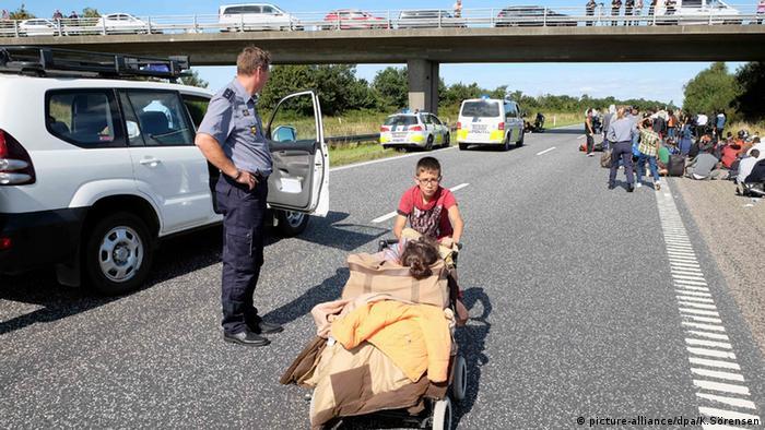 Grenze Dänemark Deutschland Zoll Grenzkontrolle Flüchtlinge Autobahn
