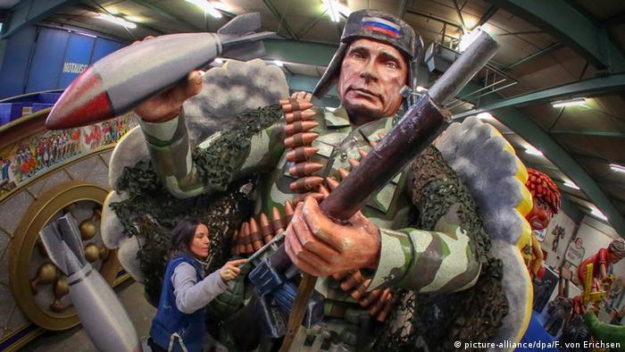 Фигура Путина, изготовленная для карнавала в Майнце
