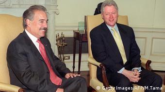 Andrés Pastrana und Bill Clinton (2000) - Foto: Mario Tama (AFP)