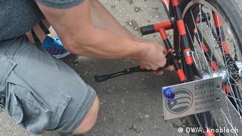 Kuba Montage der E-Bikes in Havanna