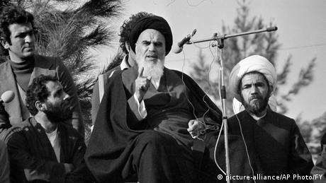 Iran Teheran Rückkhehr Ayatollah Ruhollah Chomeini Exil (picture-alliance/AP Photo/FY)