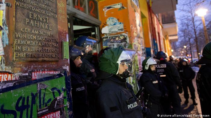 Berlin Polizei Polizeieinsatz (picture-alliance/dpa/J.Carstensen)
