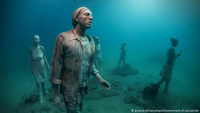 Artwork by sculptor Jason deCaires Taylor. Photo credit: picture-alliance/epa/Government of Lanzarote.