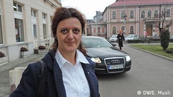Bosnien Die Bürger aus Bijeljina im Gespräch mit der amerikanischen Botschafterin