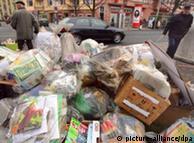 Горы невывезенного мусора в Ганновере