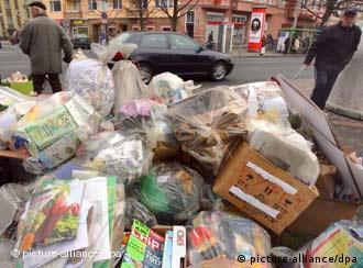 Кой печели от кризата със софийския боклук?