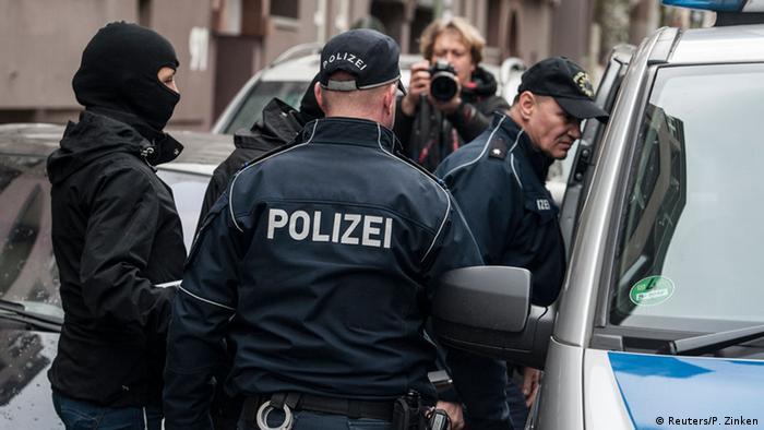 """القبض على خلية لـ""""داعش"""" كانت تخطط لهجمات إرهابية في ألمانيا 0,,19027836_303,00"""