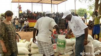 Dürre in Angola Bevölkerung (DW/A.Vieira)