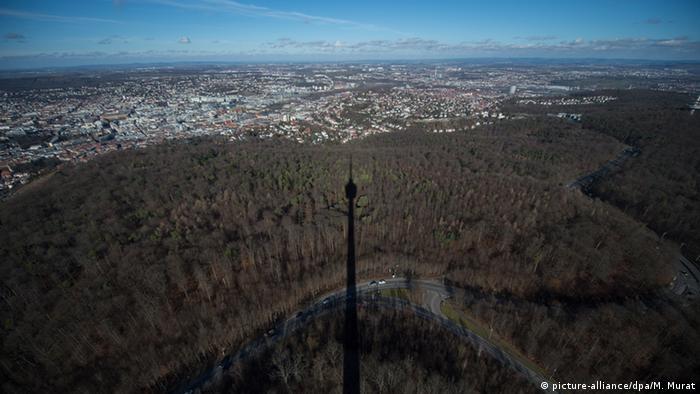 Тень от телебашни в Штутгарте