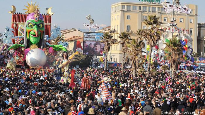 Karneval international Italien Viareggio (Foto: picture alliance/dpa/F. Silvi)