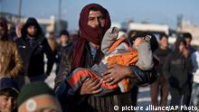 Syrer flüchten Richtung türkische Grenze
