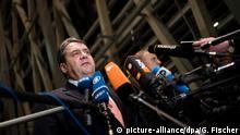 Unbemerkte Korrekturen? SPD-Chef Sigmar Gabriel nach dem Spitzengespräch zum Asylpaket II (28.01.2016)