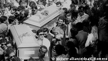 A picture dated November 1989 shows the funeral of six Jesuit priests at the University Jose Simeon Canas (UCA) in El Salvador in November 1989. Twenty Salvadoran soldiers were prosecuted on May 30, 2011 by the Spanish court for the murder of Spanish Jesuit Ignacio Ellacuria, other five religious-four of them also Spanish, and two women, committed on November 16, 1989. Photo: Edgar Romero/dpa Copyright: picture-alliance/dpa/E. Romero