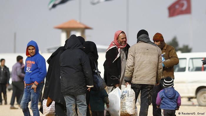 Göksel'e göre Neden ülkenizde savaşmıyorsunuz söylemi Suriyeli gençler üzerinde baskı yaratıyor