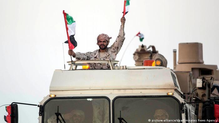 Streitkräfte von den Vereinigten Arabischen Emiraten (picture-alliance/dpa/Emirates News Agency)