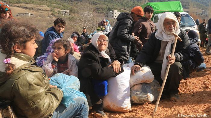 Syrer an der Grenze zwischen Syrien und der Türkei