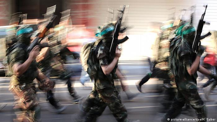 Qassam-Brigaden Parade in Gaza-Stadt (picture-alliance/dpa/M. Saber)