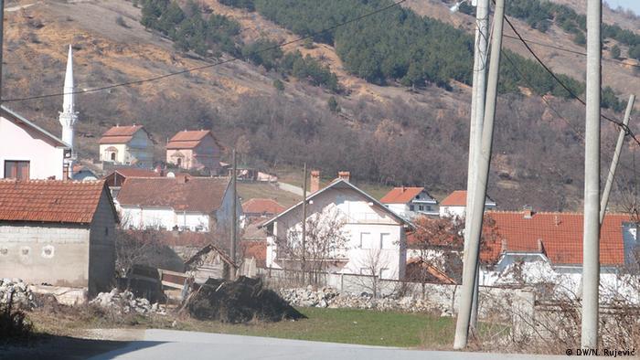 Serbien Das Dorf der Schlepper (DW/N. Rujević)
