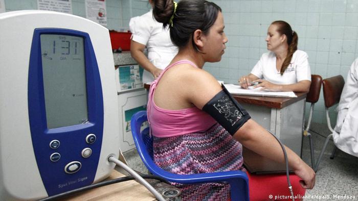 Kolumbien schwangere Frau mit Zika