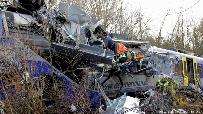 The train wreck in Bad Aibling (picture-alliance/dpa/J. Reisner)