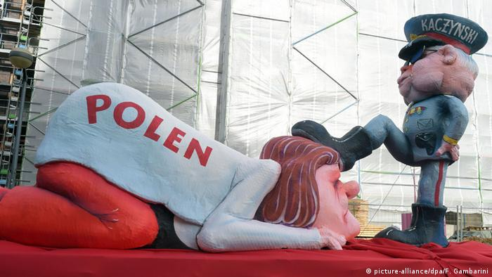 Controversial Carnival float depicting Jaroslaw Kaczynski and Poland, Copyright: picture-alliance / dpa /Gambarini