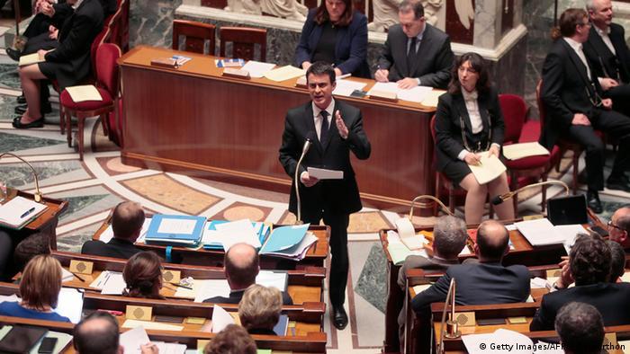 Premierminister Manuel Valls in der Nationalversammlung (Foto: JACQUES DEMARTHON/AFP/Getty Images)